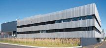 Lochbleche in Eloxalqualität für individuelle Fassaden. Bild: Serge Grard