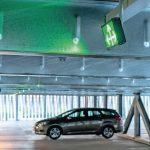 Ein elektronisches Parkleitsystem führt die Fahrzeuge direkt zum nächsten freien Parkplatz. Bild: Goldbeck