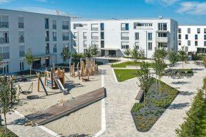 Betonpflaster: Weggestaltung in einer neuen Wohnanlage in München