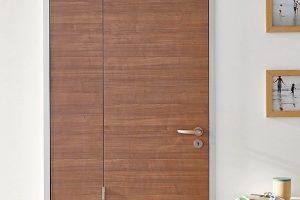 Raumspartür für barrierefreie Nutzung und mit Bedienkomfort: Die Raumspartür Typ RST für Menschen mit Gehhilfe, Rollator oder Rollstuhl. Bild: Küffner