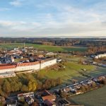 Die imposante vierflügelige Klosteranlage im niederbayerischen Mallersdorf wurde in Teilen saniert und baulich sowie technisch an heutige Anforderungen angepasst. Bilder: Lindner