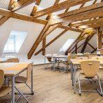 Das Gebälk im zuvor weitgehend ungenutzten Dachgeschoss ließ Architekt Norbert Hecht freilegen. Bild: Lindner
