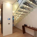 bba0619Siller02_e_cantilevered_acrylic_staircase_by_Siller.jpg