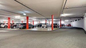 """Die Epoxidharz-Beschichtung """"StoPox 590 EP"""" von StoCretec schützt Stahlbeton-Parkbauten dauerhaft vor dem Eindringen von Feuchtigkeit und Schadstoffen."""