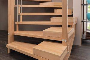 Stufen mit bequemen Steigungsverhältnissen auch im Alter: Treppenmeister hift bei entsprechender Planung der Treppenanlage. Bild: Treppenmeister