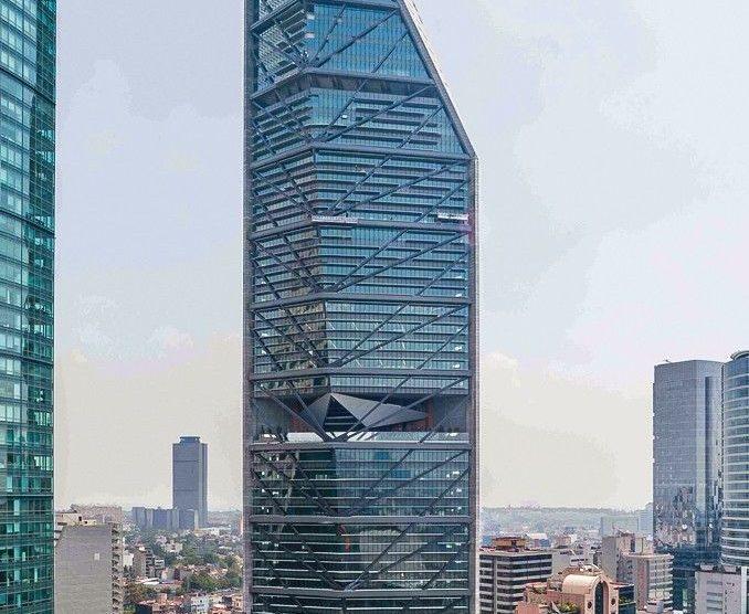 """Eine hocheffiziente Lösung innerstädtischen Parkens bietet das vollautomatische Parksystem """"Wöhr Multiparker 750"""" im """"Torre Reforma"""" in Mexiko-Stadt."""