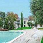 Luxuriöse Villen-Anlage mit Gartenhaus und Pool