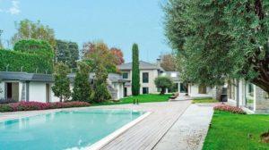 Luxuriöse Villen-Anlage mit Gartenhaus und Pool. Bilder: Eclisse