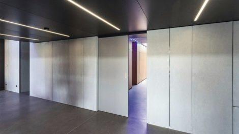 Zeitgemäße Komfort- und Antriebsfunktionen – hier eine unsichtbare Zuziehautomatik – beeinträchtigen nicht die Optik. Bild: Wingburg GmbH
