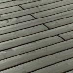 Holzlatten, verschraubt. Bild: Mocopinus