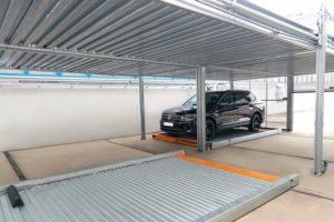 Parkgarage mit Fahrzeugrotationssystem