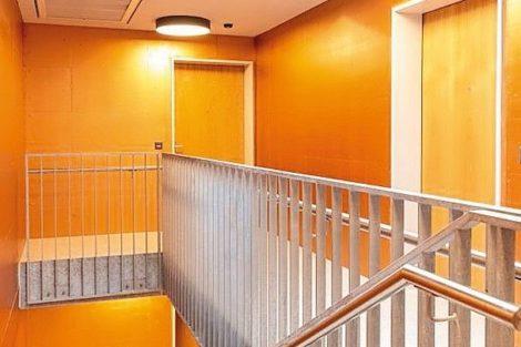 Treppenhaus in strapazierfähigem und homogenem Glanz