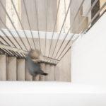 Treppe aus Stahl mit deckenhohen Flachstahl-Geländerstäben