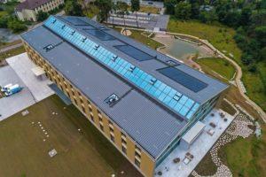 Dachansicht der neuen Alnatura-Zentrale. Bilder: Zambelli RIB-ROOF GmbH + Co. KG