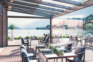 Dank seiner eindrucksvollen Spannweite von 7 m eignet sich das Terrassendachsystem ideal für großzügige Überdachungen bei gastronomisch genutzten Objekten. Bilder: heroal