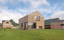 Brettsperrholz-Bauweise für Wohnhaus mit Ligno-Bauelementen. Bild: Lignotrend | Fotograf: Walter Schiesswohl, Hamburg
