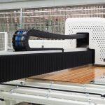 Bedruckt wurden die Gläser von Sedak mit einem hochpräzisen keramischen Verfahren, das langfristig die Qualität sicherstellt. Der Drucker erreicht bis zu 1024 dpi. Bild: Sedak