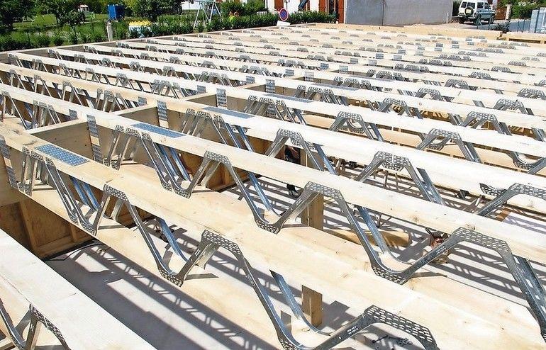 Nagelplattenbinder erleichtern Geschossaufstockung: Fehlende Wohnungen ließen sich so zeitnah errichten. Bild: MiTek Industries/GIN, Ostfildern