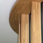 Massive Holzfensterrahmen. Bild: Gámiz
