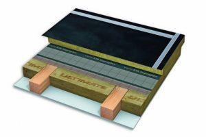 """""""PremiumDach 1.000"""" von Isover ist eine leistungsstarke Systemlösung aus Hochleistungs-Mineralwolle für die energieeffiziente Sanierung von Steildächern. Bild: Saint-Gobain Isover G+H"""