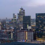 Blick auf die Amsterdamer Skyline im Süden mit dem neuen Hotelturm rechts. Bild: Ossip van Duivenbode