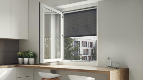 Klemmbarer, außenliegender Sonnenschutz mit Zip-Führung. Bild: heroal