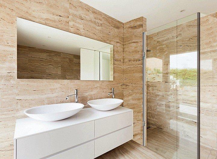 Pendeltürbeschlag für puristisch elegantes Duschdesign. Bild: ABP-Beyerle