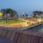 Fußgängerbrücke und Lounge sind die neuen Hotspots für die Stadtbewohner von Izmir, realisiert mit thermisch modifizierter Amerikanische Esche. Bild: Ahec