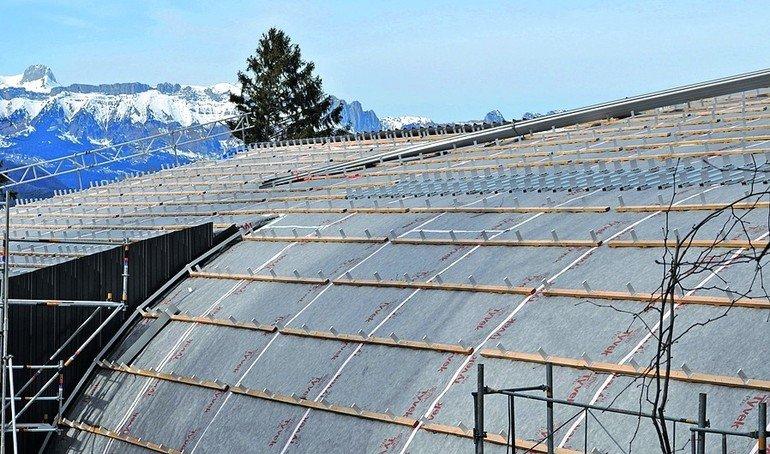 Wasserdichte Dach- und Fassadenbahn. Bild: Ampack