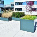 Glänzende Einfassungen für Hochbeete von Richard Brink. Bilder: Richard Brink GmbH