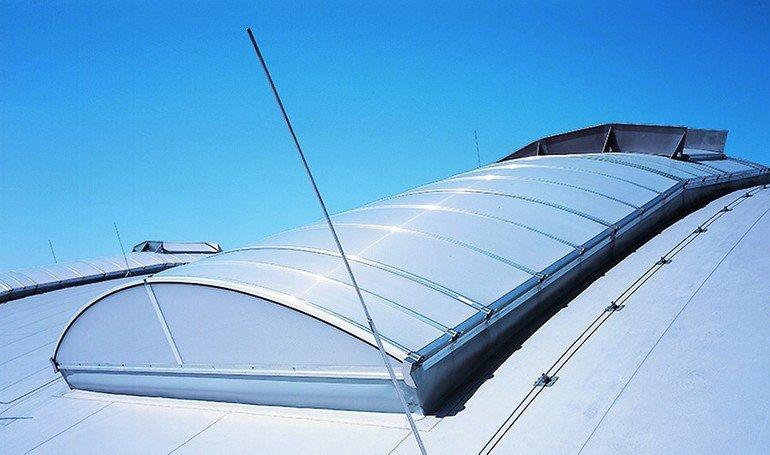 Passivhauszertifizierte Tageslichtsysteme. Bild: Lamilux