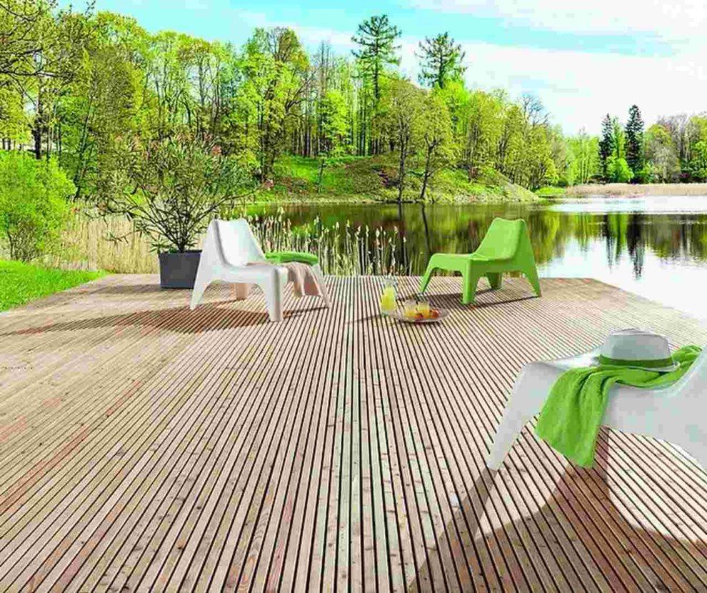 Holzlamellen: Terrassendielen mit einer planen Oberfläche. Bild: Mocopinus