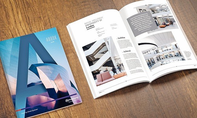 Blank_catalog,_magazines,book_mock_up_on_wood_background