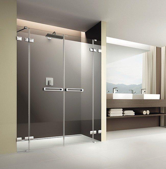 Badezimmer mit Doppelflügelduschtüre. Bild: Artweger