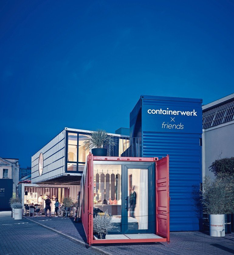 Das Stuttgarter Start-up Containerwerk kauft gebrauchte Seecontainer auf und wandelt sie in einem patentierten Dämmverfahren in hochwertigen Wohnraum um. Bild: Stefan Hohloch