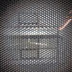 Schwarze Wabenstruktur. Bild: Design Composite