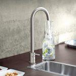 Das Wassersystem Grohe Blue Professional liefert gekühltes und gefiltertes Wasser direkt aus der Küchenarmatur in die Teeküche. Bild: Grohe