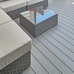 Massivdiele für die Terrasse - robust mit geschmeidiger Oberfläche. Bild: Inoutic