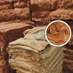 Schaubild zur Dämmaterialherstellung aus alten Leinensäcken. Endprodukt neben Ausgangsstoff. Bild: tdx / Thermo Natur