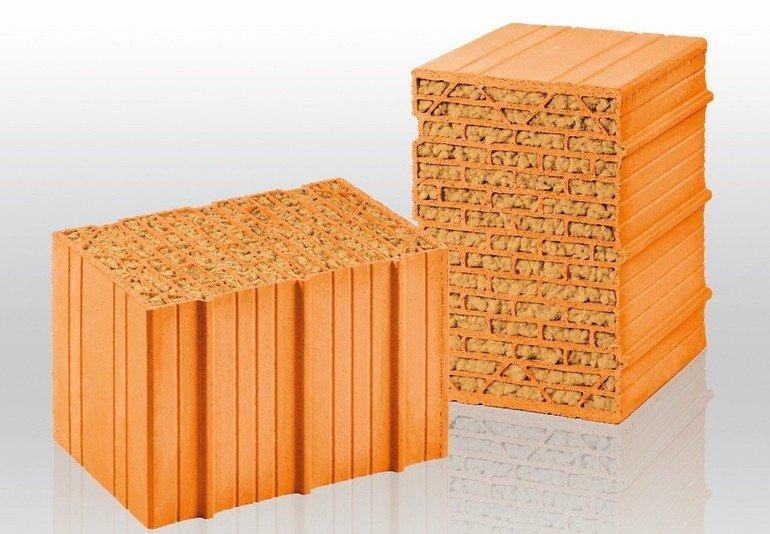 Mauerziegel, dämmstoffgefüllt. Bild: Unipor