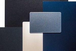 Oberflächen in Glitzer, Metall oder Uni für Alucobond: z. B. haben die metallic Oberflächen durch wechselndes Licht den typisch metallischen Glanz. Bild: Alucobond