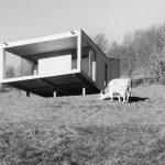 Kuhwiesenhanghaus: Die Wiesenfläche dient weiterhin als Nahrungsquelle für die Rinder des benachbarten, verwandtschaftlich verbundenen Bauernhofes. Bild: morpho-logic
