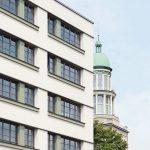 Die Fassade wurde energetisch ertüchtigt und formal reprogrammiert. Bild: GBP Architekten / Anastasia Hermann