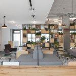 """Lobby der Studentenwohnungen im """"Neon Wood Frankfurter Tor"""""""