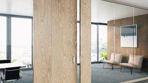 Wohnraumtüren mit magnetischer Schließung Keep Close von Simonswerk: Komfortabel, verschleißfrei, funktionssicher und ästhetisch. Bild: Simonswerk