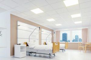 vlieskaschierte Mineraldecke in einem Krankenhauszimmer