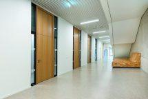 Formstabile Brandschutzplatten für Echtholzfurnier oder Hochdrucklaminat. Bild: Lindner GFT GmbH