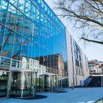 Marburg: Lamellenfenster ermöglichen Planern und Architekten eine hohe Gestaltungsfreiheit. Bild: Fieger Lamellenfenster