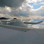 Die Konstruktion des Glasdachs war vor allem wegen der Größe der Verglasungsscheiben und der Lüftungsflügel sehr anspruchsvoll. Bild: Lamilux