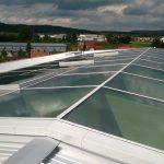 Die Glasdächer des Willibald-Gluck-Gymnasiums sind als Schrägverglasungskomponenten mit der höchsten Passivhaus-Einstufung zertifiziert. Bild: Lamilux
